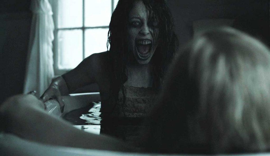 Jessabelle Bathtub Scare Scene